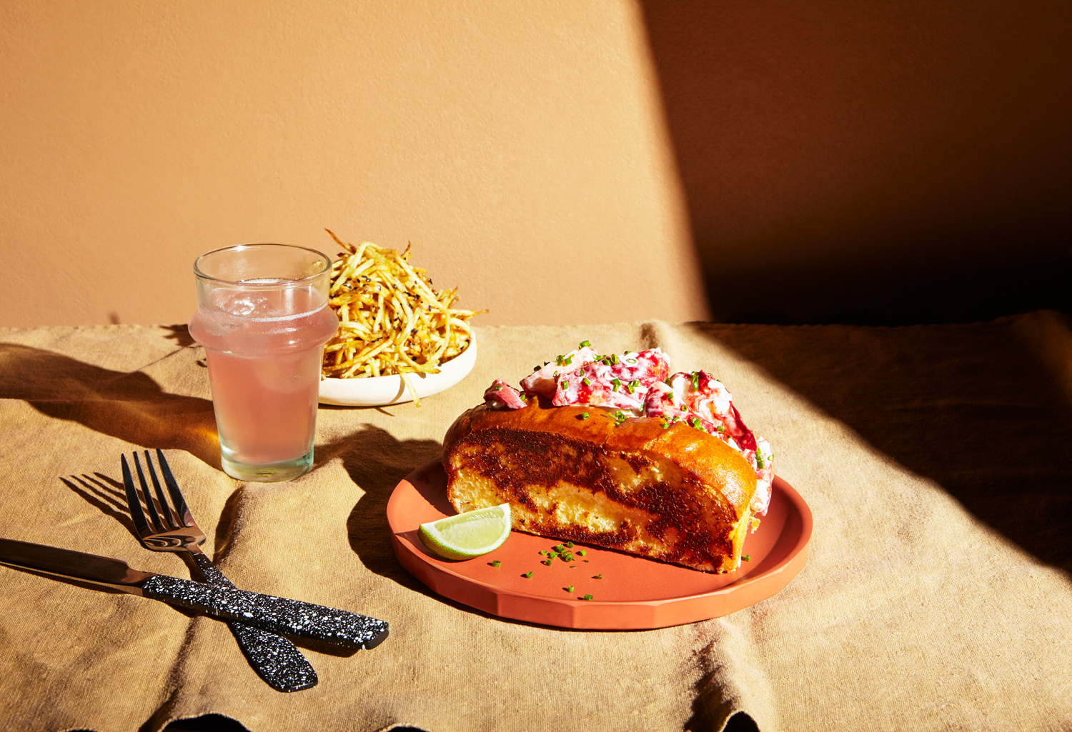 katie hammond photography buns and buns still life food lobster roll